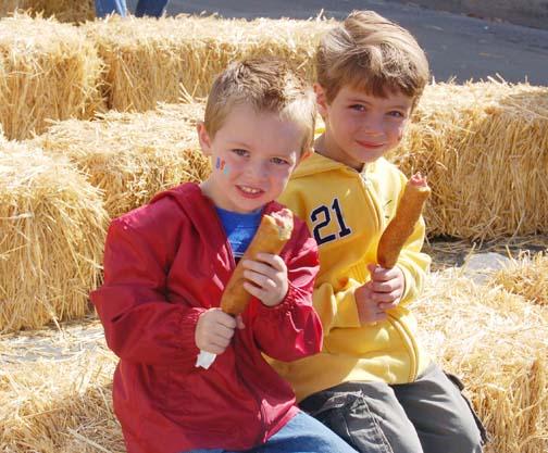 HF_boys_with_corn_dogs